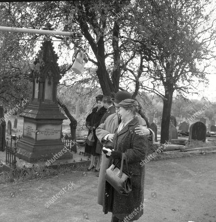 The funeral of Martha Longhurst. Pat Phoenix (as Elsie Tanner), Frank Pemberton (as Frank Barlow), Jack Howarth (as Albert Tatlock) and Margot Bryant (as Minnie Caldwell)