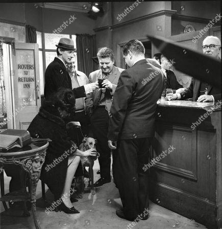 Pat Phoenix (as Elsie Tanner), Gordon Rollings (as Charlie Moffitt), Graham Haberfield (as Jerry Booth), Peter Adamson (as Len Fairclough) and Frank Pemberton (as Frank Barlow) and Arthur Leslie (as Jack Walker)