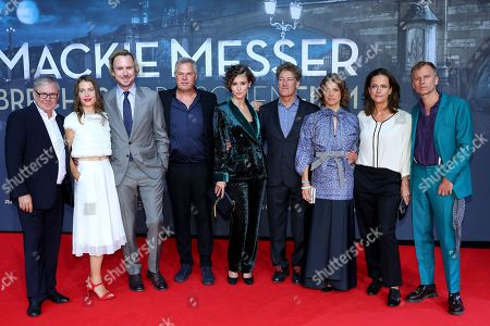 The cast (L-R) Joachim Krol, Meike Droste, Lars Eidinger, director Joachim A. Lang, Peri Baumeister, Tobias Moretti, Britta Hammelstein, Claudia Michelsen and Robert Stadlober pose on the red carpet prior the movie premiere of 'Mackie Messer - Brechts Dreigroschenfilm' (lit. Mack the Knife - Brecht's Threepenny Film) in Berlin, Germany, 10 September 2018. The movie opens across German theaters on 13 September.