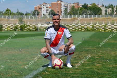 Spanish striker Raul de Tomas Gomez poses during his presentation as a new Rayo Vallecano player in Madrid, Spain, 11 September 2018.