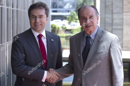 Brazilian Foreign Minister, Aloysio Nunes (R), receives his counterpart from Paraguay, Luis Alberto Castiglioni (L), at the Itamaraty Palace, headquarters of the Ministry of Foreign Affairs, in Brasilia, Brazil, 11 September 2018.