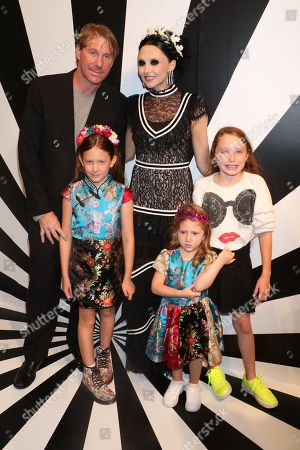 Eric Eisner and Stacey Bendet with their daughters