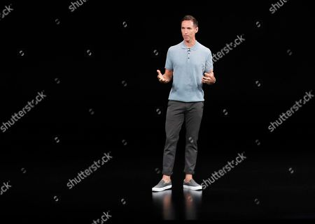 Former NBA player Steve Nash talks about the Apple iPhone XS at the Steve Jobs Theater during an event to announce new Apple products, in Cupertino, Calif
