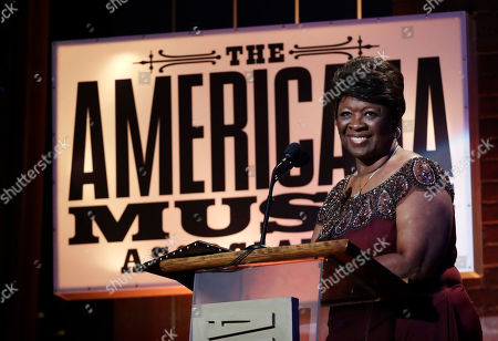 Irma Thomas receives the lifetime performance award during the Americana Honors and Awards show, in Nashville, Tenn
