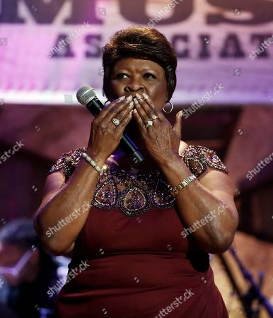 Irma Thomas blows a kiss after performing during the Americana Honors and Awards show, in Nashville, Tenn