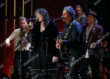Beth Nielsen Chapman, Mary Gauthier. Beth Nielsen Chapman, front left, and Mary Gauthier, front right, perform during the Americana Honors and Awards show, in Nashville, Tenn