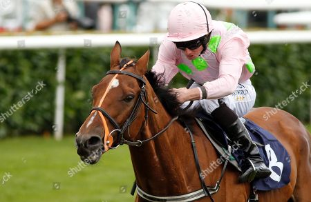 THOMAS HOBSON (Ryan Moore) wins The Doncaster Cup Stakes Doncaster