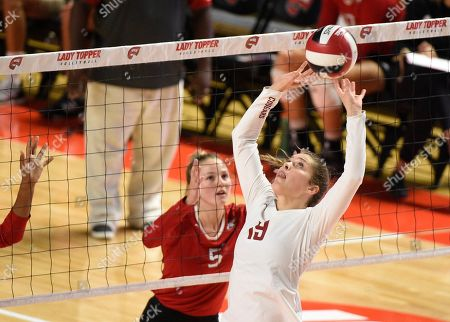 , 2018Washington State Cougars Ashley Brown (19) sets the ball in a match between the Northern Illinois Huskies and the Washington State Cougars at E.A. Diddle Arena in Bowling Green, KY. Photographer: Steve Roberts
