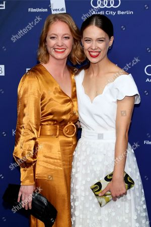 German actresses Leonie Benesch (L) and Verena Altenberger arrive to the German Drama Award (Deutscher Schauspielpreis) in Berlin, Germany 14 September 2018.