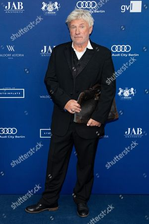 German actor Joerg Schuettauf arrives to the German Drama Award (Deutscher Schauspielpreis) in Berlin, Germany 14 September 2018.