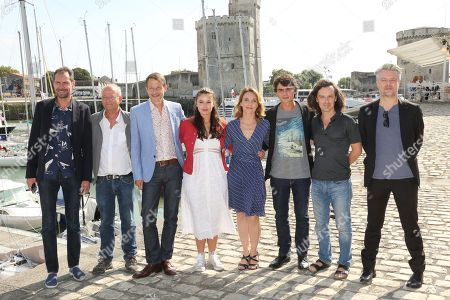Marilou Aussilou, Alix Poisson, Pierre Perrier and the team of the film 'Jeux d'Influence'
