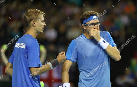 Jamie Murray and Dominic Inglot playing Sanjar Fayziev and Denis Istomin  in the Doubles