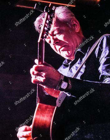 Guitarist/Singer/Songwriter Tommy Emmanuel