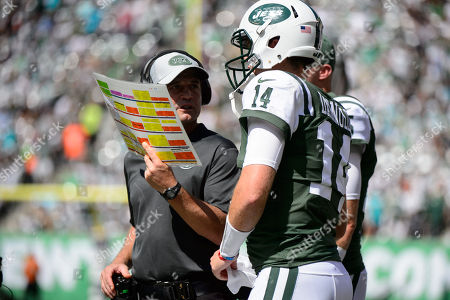 New York Jets quarterback Sam Darnold (14) speaks to New York Jets offensive coordinator Jeremy Bates during the game between The New York Jets and The Miami Dolphins at Met Life Stadium in East Rutherford, NJ. Mandatory Credit: Kostas Lymperopoulos/CSM