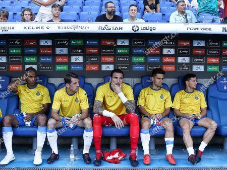 Edinaldo Gomes Naldo (left), Victor Sanchez, Roberto Jimenez, Oscar Melendo and Pablo Piatti (right) of RCD Espanyol on the bench before the kick off