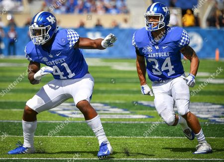 Kentucky Wildcats linebacker Josh Allen (41) and linebacker Jordan Jones (34) wait for the snap of the ball during the first half an NCAA college football game against Murray State in Lexington, Ky