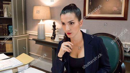 Erendira Ibarra as Ana Vargas-West