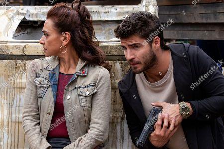 Aida Lopez as Chela Lagos, Maxi Iglesias as Ovni