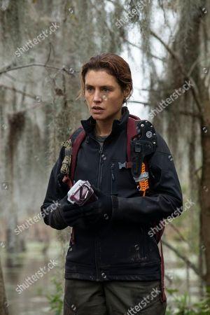 Stock Image of Hannah Ware as Sadie Hewitt