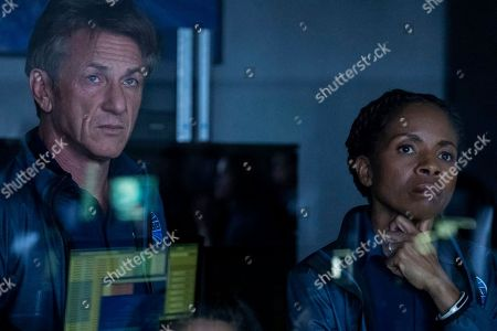 Sean Penn as Tom Hagerty, LisaGay Hamilton as Kayla Price