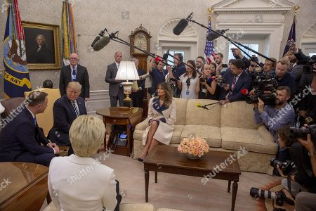 (L-R) Polish First Lady Agata Kornhauser-Duda, President of Poland Andrzej Duda, US President Donald J. Trump and US First Lady Melania Trump meet inside the Oval Office at the White House in Washington, DC, USA,  on 18 September 2018.