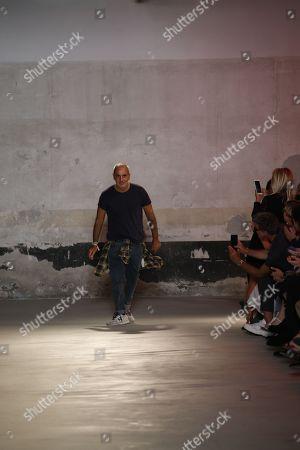 Alessandro Dell Acqua on the catwalk