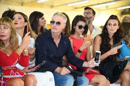Lilli Bertolucci, Eddie Irvine, Paula Turani in the front row