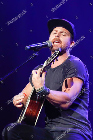 Kip Moore performs at the 2018 Nashville Songwriters Awards at Ryman Auditorium, in Nashville, Tenn