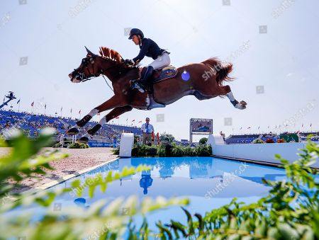 Pilar Lucrecia Cordon of Spain competes aboard Grand Cru van de Rozenberg during the second qualifier for Jumping at the FEI World Equestrian Games 2018 at the Tryon International Equestrian Center in Mill Spring, North Carolina, USA, 20 September 2018. The World Equestrian Games continue through 23 September 2018.