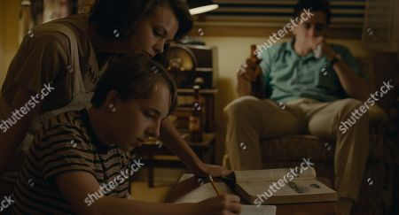 Stock Photo of Carey Mulligan as Jeanette Brinson, Ed Oxenbould as Joe Brinson, Jake Gyllenhaal as Jerry Brinson
