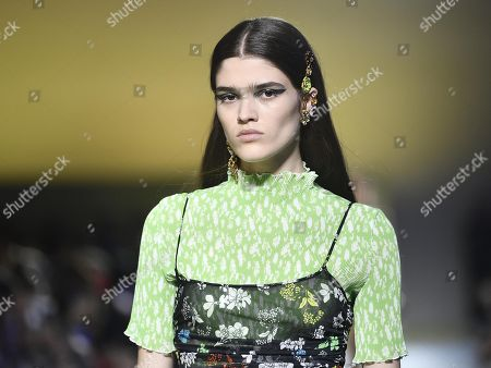 Model Alexandra Micu presents a creation by Versace during the Milan Fashion Week, in Milan, Italy, 21 September 2018. The Spring/Summer 2019 Women's collections are presented at the Milano Moda Donna from 19 to 23 September.