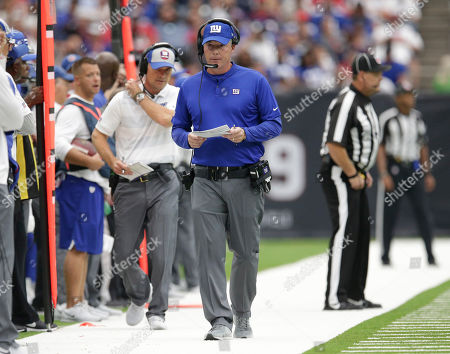 New York Giants head coach Pat Shurmur on the sidelines during the first half of an NFL football game against the Houston Texans, in Houston