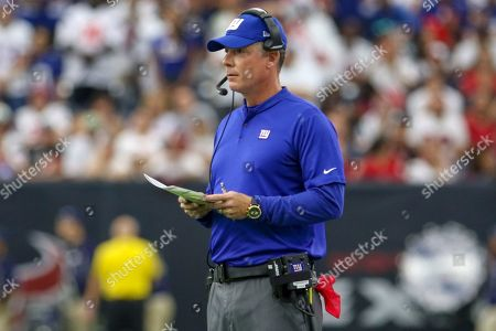New York Giants head coach Pat Shurmur calls plays during the fourth quarter of the NFL football game between the Houston Texans and the New York Giants at NRG Stadium in Houston, TX