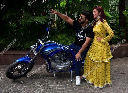 Stock Image of Arjun Kapoor and Parineeti Chopra
