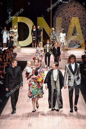 Caleb Lane, Elettra Rossellini Wiedemann, Ronin Lane, Isabella Rossellini and Roberto Rossellini on the catwalk