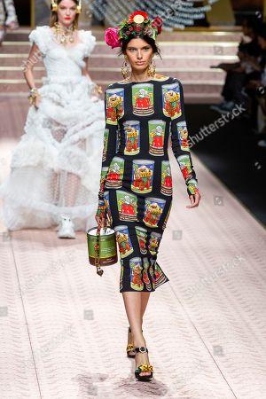 Stock Photo of Giulia Manini on the catwalk