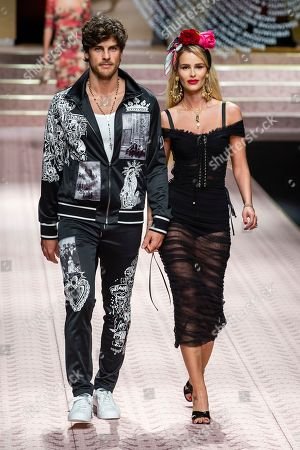 Stock Picture of Evandro Soldati and Yasmin Brunet on the catwalk