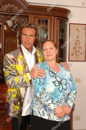 Antonio Zequila with his mother