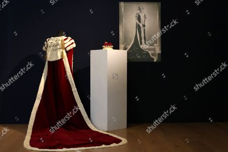 Bonhams Viscountess Churchill sale photocall, London