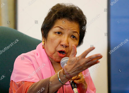 """Loretta Anne Rosales. Former chair of the Commission on Human Rights Loretta Rosales relates her ordeal while in detention during Martial Law, during a foreign correspondents forum, in Manila, Philippines. The forum was in response to the recent one-on-one interview by Ferdinand """"Bongbong"""" Marcos Jr., the son of the late dictator Ferdinand Marcos, with former Senate President Juan Ponce Enrile, the so-called """"architect of martial law,"""" when Enrile challenged anyone to name one person who got arrested simply because he or she criticized former President Ferdinand Marcos"""