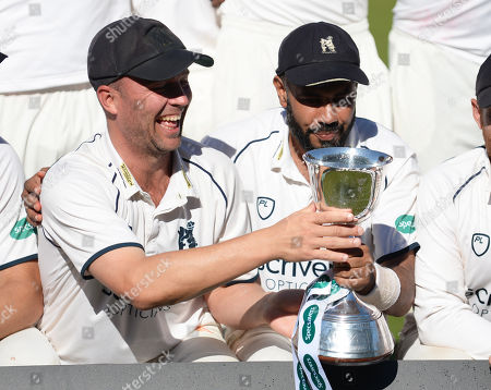 Jonathan Trott and Jeetan Patel with the trophy