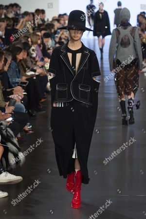 Stock Picture of Sijia Kang on the catwalk