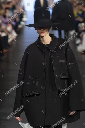 Stock Photo of SArah Menezes Potzelsberger on the catwalk