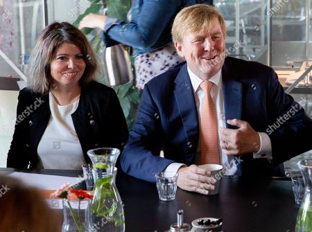 King Willem-Alexander visits the buddy to buddy project, Zutphen