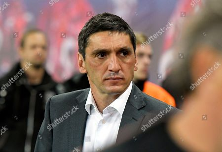 Stuttgart coach Tayfun Korkut arrives prior the German first division Bundesliga soccer match between RB Leipzig and VFB Stuttgart in Leipzig, Germany