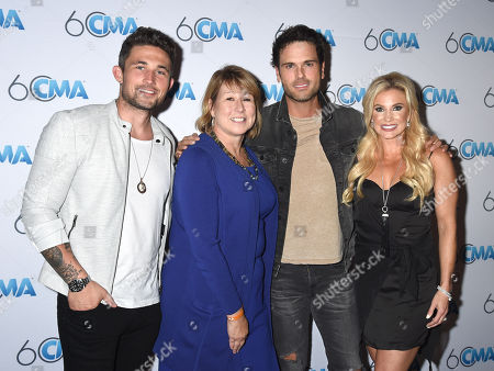 Stock Picture of Michael Ray, Sarah Trahern, Chuck Wicks and Julie Roberts
