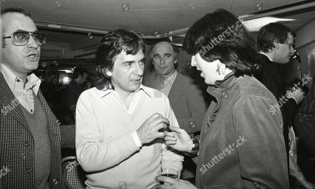 Dudley Moore, Bob Hoskins, Ken Campbell, with other guests at aftershow LWT party at South Bank studios.