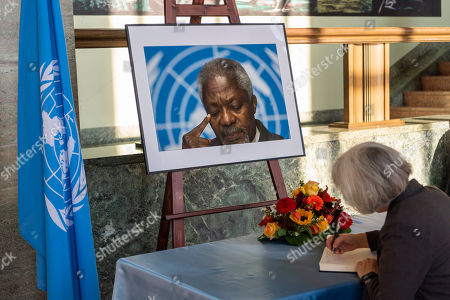 A person signs the condolence book during a celebration of Kofi Annan's Life, in the Assembly Hall at the European headquarters of the United Nations (UN) in Geneva, Switzerland, 27 September 2018. Kofi Annan the seventh Secretary General of the United Nations passed away on 18 August 2018 at age 80.