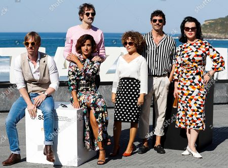 Film director Paco Leon (2-R), film director and screenwriter Ana Costa (3-R), actresses Inma Cuesta (2-L), Debi Mazar (R) and actors Ken Appeldorn (L) and Julian Villagran (2-L) pose during a photocall for 'Arde Madrid' at the San Sebastian International Film Festival, in San Sebastian, Basque Country, Spain, 27 September 2018. The 66th edition of the SSIFF runs from 21 to 29 September.