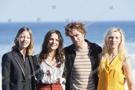 Robert Pattinson, Juliette Binoche and Mia Goth and Agata Buzek, Scarlett Lindsey, Claire Denis
